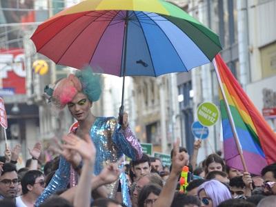 Gay Antalya  Eşcinseller için Antalya Rehberi